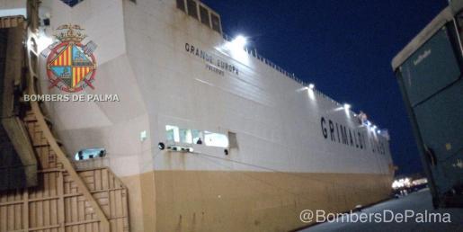 El buque 'Grande Europa', ya en el puerto de Palma.