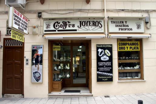 Gofra Joyeros cuenta con dos céntricas tiendas en las zonas de Plaza de España y Velázquez, en Palma. En la foto, la de la calle Volta de la Mercè.