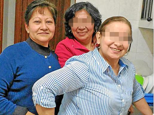 Gloria Francisca, a la izquierda de la foto, era una mujer muy querida en Mallorca y llevaba años trabajando como limpiadora en Aqualand, en Llucmajor.