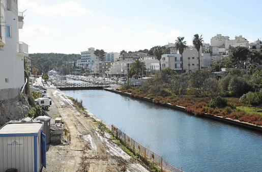 Parte de la zona de ampliación del puerto de Porto Cristo tras el puente pequeño.