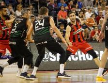 El Iberojet Palma recupera el factor pista con una ajustada victoria en Granada