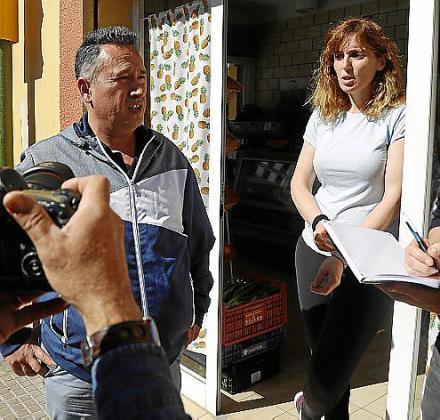 Vecinos de la mujer asesinada en el Arenal.