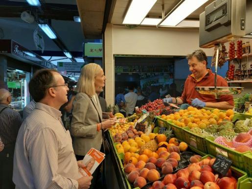 Eva Pomar, este sábado en el mercado de Pere Garau.