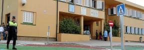 Critican que un conflicto entre el alcalde y el Govern paraliza el colegio de Can Picafort