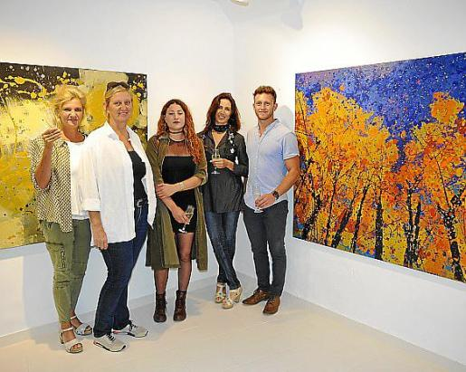 Cristina Muller, Doris Duschelbauer, Jazmín Levy, Gabriela Lavezzari y Antu Levy.