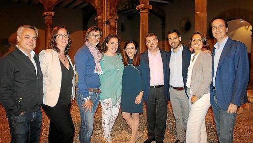 Juanjo Lladó, Eva Albarrán, Miguel Lliteras, María José Munar, Ainhoa Rosselló, Javier Blas, Biel Rechach, Marga Comas y Ramón Rotger.
