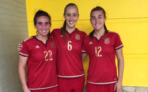 Mariona Caldentey, Virginia Torrecilla y Patricia Guijarro, en un reciente partido de la selección.