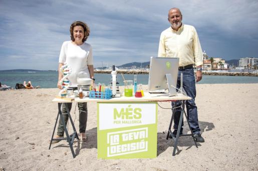 Fina Santiago y Miquel Ensenyat, candidatos de Més per Mallorca al Parlament balear.
