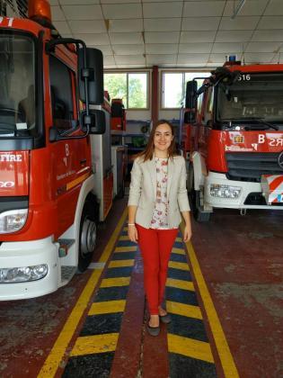 Beatriz Camiña, candidata de Ciudadanos al Consell de Mallorca, en el Parque de Bomberos de Calvià.