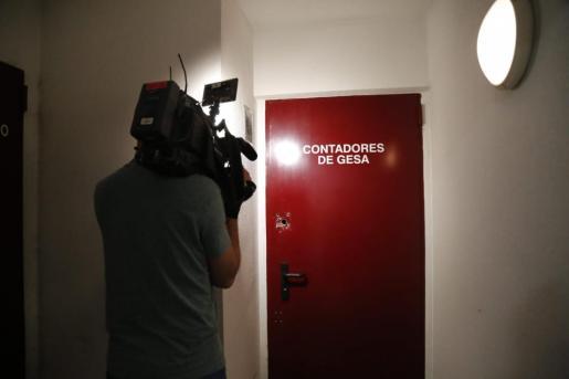 Los técnicos han sido encerrados en el cuarto de los contadores.