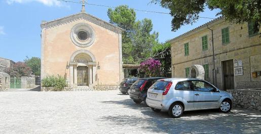 La plaza de Ruberts forma parte del conjunto declarado Bien de Interés Cultural por el Consell de Mallorca el año 2008.