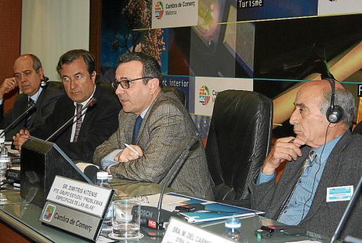 El vicepresidente Josep I. Aguiló y el presidente de la Cámara de Comercio, Joan Gual.