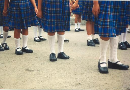 «Los uniformes no deben estar segregados por género ni que obligatoriamente se tenga que llevar falda o vestido por el hecho de ser niña».