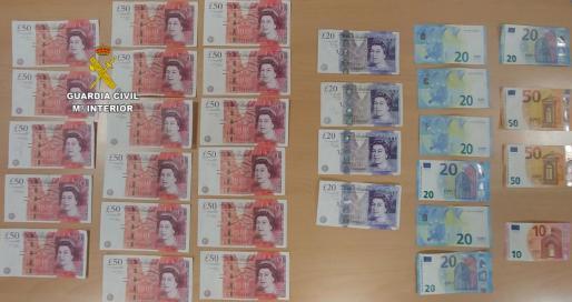 Imagen de las libras falsas y el dinero requisado.
