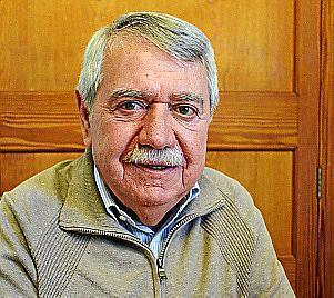 Victoria del PSOE con el veterano Andreu Isern en Consell.