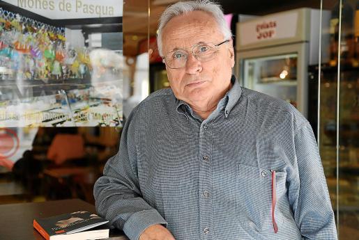 El autor Guillem Frontera, posando para esta entrevista este lunes en Ciutat.