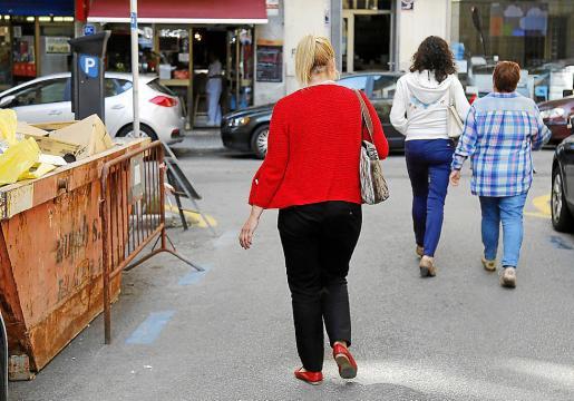 La 'madame', a la salida de los juzgados de Vía Alemania.