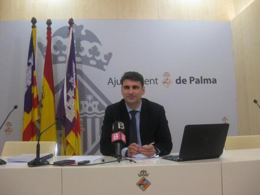 Julio Martínez ya ha sido portavoz del PP en Cort cuando estaba en la oposición y del gobierno de Isern.