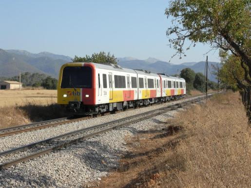 Los trenes diésel de la serie 61 comenzaron en 1995 su servicio comercial.