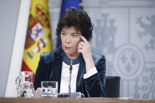 Isabel Celaá, portavoz del Gobierno en funciones, tras la rueda de prensa posterior al Consejo de Ministros.
