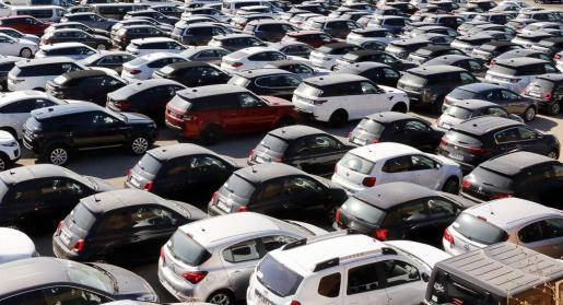 Los coches 'rent a car' tienen que adaptarse a la nueva normativa balear.