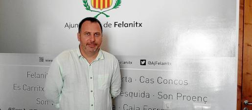 Joan Xamena Galmés, de 46 años, fue el portavoz de la oposición en el Ajuntament de Felanitx de 2011 al 2015. En junio de 2015, fruto del pacto electoral, se convirtió en alcalde hasta junio de 2018.