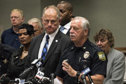 James Cervera, jefe de policía, da la última hora sobre la masacre en Virginia.
