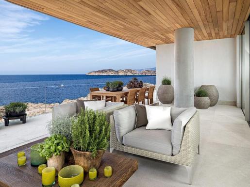 La mayoría de las operaciones de compraventa de extranjeros se han realizado en el litoral balear, principalmente en la costa de Mallorca e Ibiza. El montante económico medio de las inversiones se ha situado entre los 800.000 y 1.500.000 de euros.