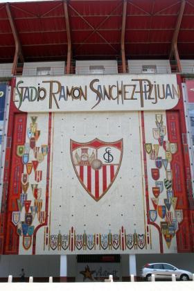 El estadio Sánchez-Pizjuan acoge este domingo la capilla ardiente de José Antonio Reyes.