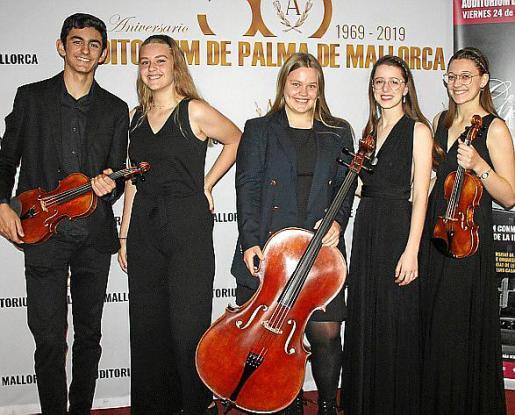 Pau Cladera, Paula Dittmann, Núria e Inés Piqueras y Kate Dittmann.