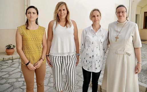 Teresa García, Lorena Rodríguez, Joana Barceló y Julia Violero, directora del CESAG.