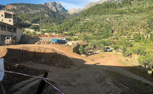 Vista general del aparatoso desmonte. Los edificios tendrán la fachada en la actual calle Mallorca.