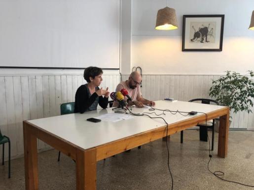 El presidente del GOB, Amadeu Corbera, y la portavoz de la entidad, Margalida Ramis, han señalado que la pretensión de sus propuestas es «incidir» en las negociaciones actuales de los partidos progresistas de cara a configurar un nuevo Ejecutivo de izquierdas.
