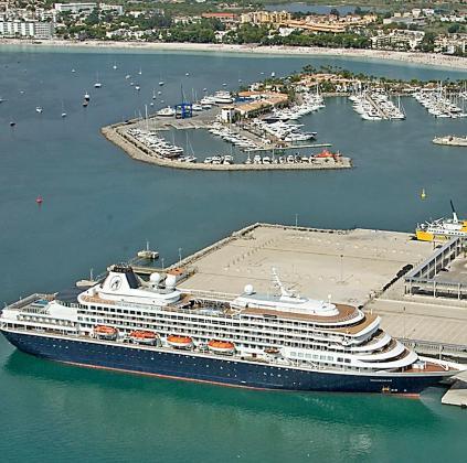 Desde que se abriera al mercado de cruceros turísticos en 2012, Alcúdia se ha especializado en naves de pequeña eslora.