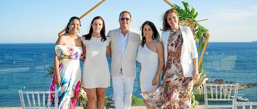 Una fantástica no boda de weddings en el increíble hotel ME Ibiza de Santa Eulària.