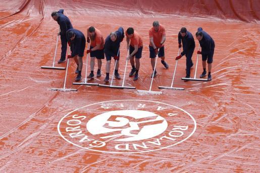 Estado de la pista de Roland Garros este sábado.
