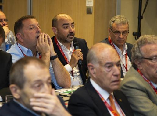 El presidente de la FBIB, Juanjo Talens, durante su intervención en la Asamblea de la FEB.