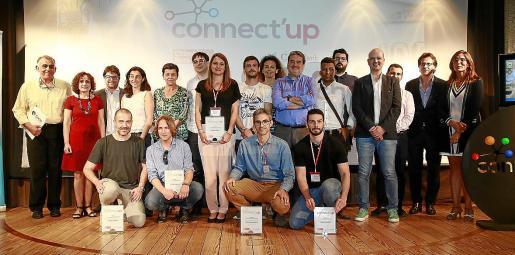 Finalistas, colaboradores y patrocinadores de la edición del año pasado de Connect'Up.