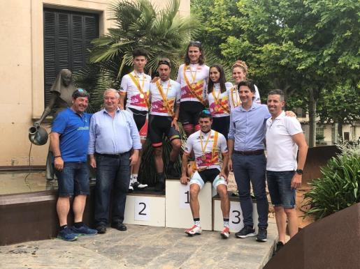 Imagen del podio del Campeonato de Balears en línea, disputado en Santa Margalida.