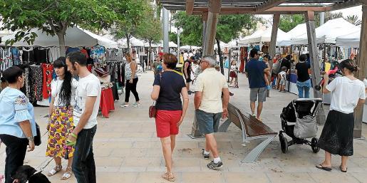 El mercadillo se ha celebrado durante los últimos cuatro veranos en Ciutat Jardí.