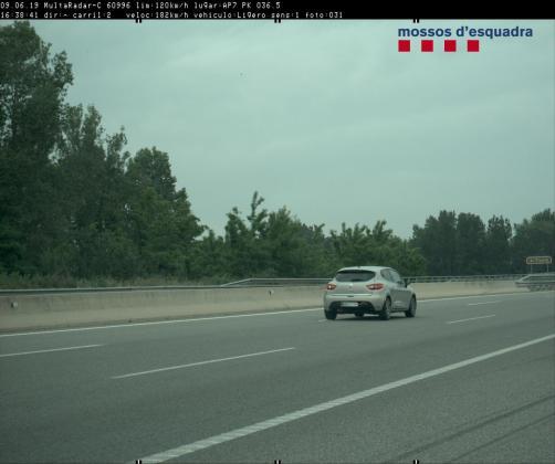 Imagen del vehículo que circulaba a 182 km/h.      11/06/2019 Imagen del vehículo detectado