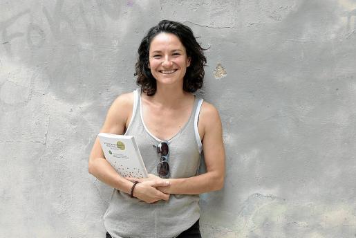 Lola Vicente-Almazán es técnica agroecológica del Centro de Estudios Rurales y de Agricultura Internacional.