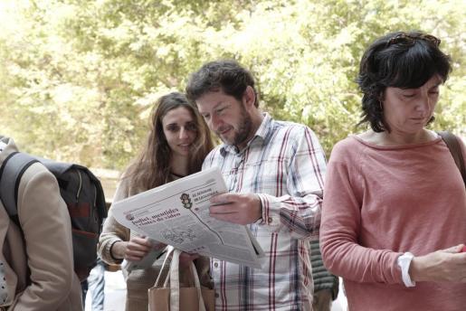 La pregunta de Podemos a su militancia recoge la posibilidad de pactar «si se llega a un acuerdo de investidura que respete la representatividad» de la formación tras las elecciones municipales.