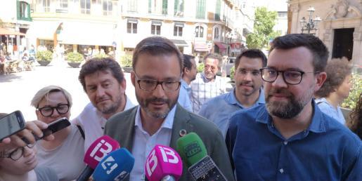 PSOE, Més y Podemos hacen público el acuerdo en el Ajuntament de Palma.