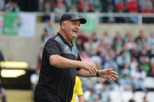 Imagen del entrenador del Atlético Baleares, Manix Mandiola.