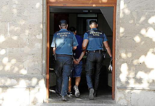 Imagen de archivo de un detenido en Vía Alemania.