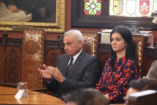 Fulgencio Coll, durante la toma de investidura de José Hila.