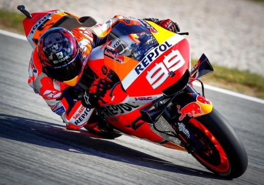 Jorge Lorenzo (Repsol Honda) traza una de las curvas del Circuit de Catalunya.