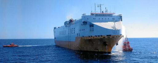 El 'Grande Europa', de la compañía Grimaldi, se incendió hace un mes a 28 millas de Cabrera y tuvo que ser remolcado a Palma.
