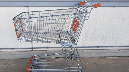Una anciana pierde 300 euros en el 'super' y simula un robo para recuperarlos.
